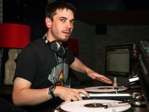 The shiz that put Crazy Town on the map: DJ AM.